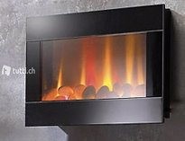 Led-wandkamin mit flammen-imitation