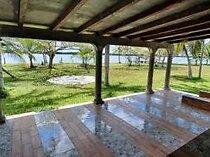 Casa con 134 mts de frente de laguna guerrero