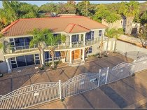 645m Guesthouse For Sale in Ifafi