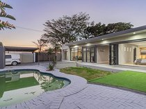 3 Bedroom Freehold Sold in Flamingo Vlei
