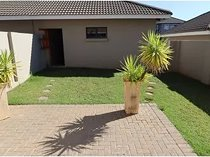 Enjoy peace of mind in this security complex in Lilyvale