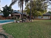 Beautiful 7 bedroom house for sale in brummeria! Entertainers dream!