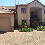 2 Bedroom Townhouse in Ravenswood
