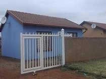 2 bedroom house at block xx to rent in soshanguve
