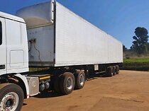 Tri-axel freight trailers