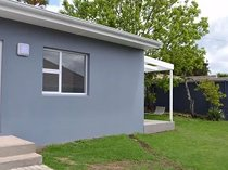 Garden cottages for rent - neale road east london eastern cape