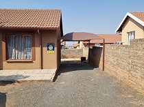 2 bedroom house in tlhabane west