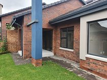 2 bed townhouse in north riding