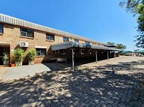 Warehouse/ factory/ office for sale in gateway park, centurion.