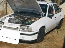 Opel monza for sale, private seller, towbar, bluetoothradio,runner, papers, lic.