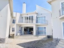 3 Bedroom Apartment / Flat For Sale in Marina Martinique