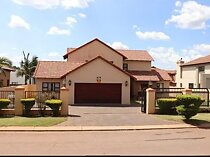 3 bedroom gated estate for sale in montana