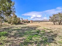 2368 m land available in the coves