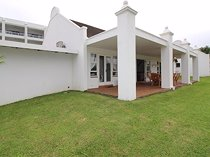 3 Bedroom Townhouse For Sale in Port Edward
