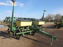 Used 4 Rows John Deere 7000 Planter