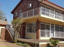5 bed house in robin park