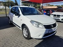 2013 renault sandero 1.6 dynamique for sale.Still in good condition and very clean.Has radio cd player, ,cloth interior,winding windows and all papers are in order.Available on cash,finance and the price is negotiable.For more information contact michelle