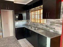 3 bedroom house in cosmo city