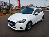 2017 mazda mazda2 1.5 dynamic, white with 96000km available now!