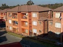 2 bedroom apartment to let in birchleigh