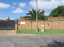 5 Bedroom Townhouse for sale in Edenvale Central