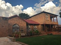 Double storey house for rental in danville ext 5