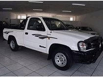 Toyota hilux 2004, manual, 2.4 litres