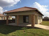 3 bed house in azaadville