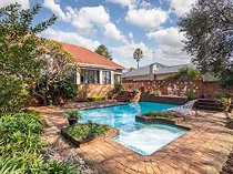 4 bed house in greenside