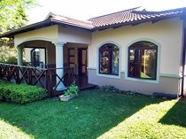 3 Bedroom Townhouse For Sale in Le Domaine