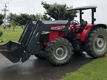 Massey Ferguson Four wheel drive tractors