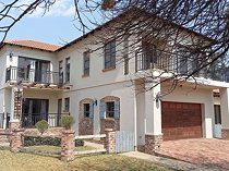 4 bedroom security estate home for sale in vaal river (free state)