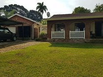 Tall trees and smooth lawns - house in umtentweni 110326532