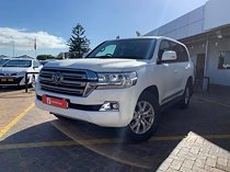 2017 toyota land cruiser 200 4.5 d-4d vx at, white with 84500km available now!